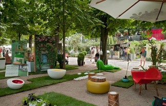 """""""If you are looking for some entertainment I should advice you Jardins, Jardin, a reference for the latest trends in urban gardens and exterior design."""" Jardins, jardin at the Tuileries Jardins, jardin at the Tuileries slide 324x208"""