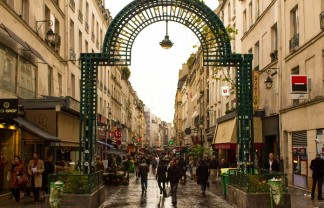 rue montorgueil paris Paris City Guide: walking through the greatest Parisian streets Paris City Guide: walking through the greatest Parisian streets rue montorgueil paris 324x208