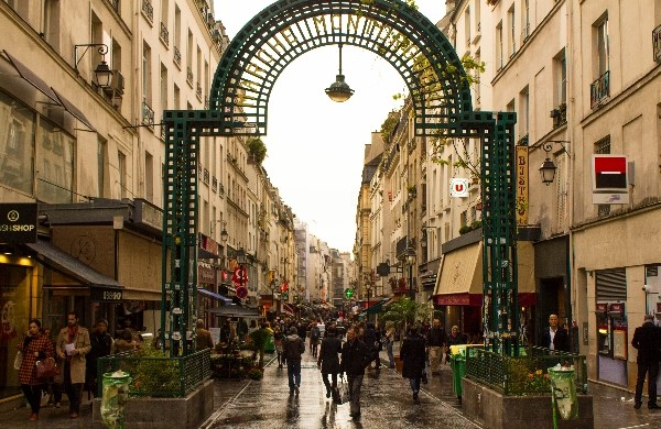rue montorgueil paris Paris City Guide: walking through the greatest Parisian streets Paris City Guide: walking through the greatest Parisian streets rue montorgueil paris 600x390