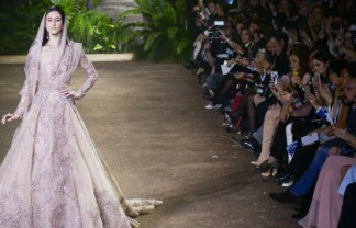 Catchy Designs At Paris Couture Week 2016 Catchy Designs At Paris Couture Week 2016 Paris Couture Week 2016 324x208