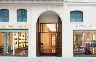 design icon Design Icon: Awarded Alexander McQueen's Paris Boutique Design Icon Awarded Alexander McQueens Paris Boutique 1 f 324x208
