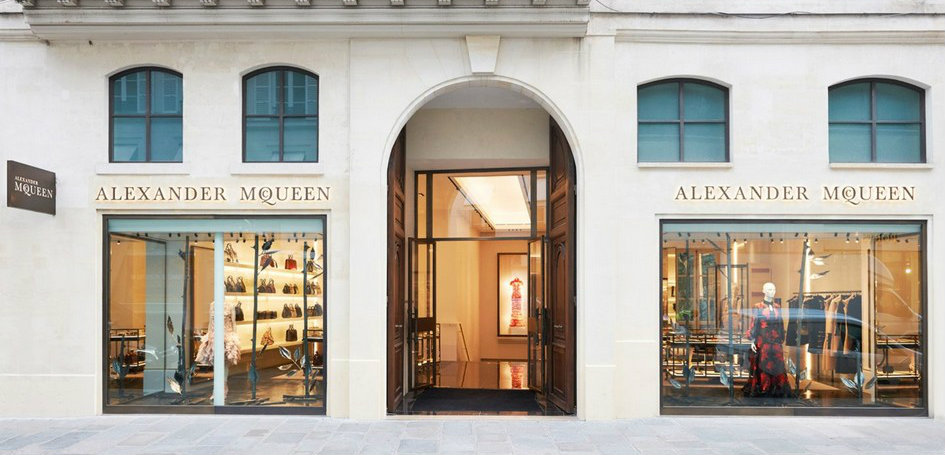 design icon Design Icon: Awarded Alexander McQueen's Paris Boutique Design Icon Awarded Alexander McQueens Paris Boutique 1 f
