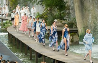 Paris Fashion Week Paris Fashion Week: The Best Spring 2018 Looks by Chanel featured 5 324x208