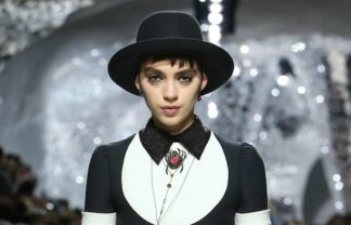 paris fashion week Paris Fashion Week: The Best Spring 2018 Looks by Christian Dior featured 8 324x208