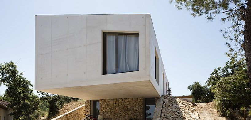Pan Architecture Designs A Geometric Residence In Provence pan architecture Pan Architecture Designs A Geometric Residence In Provence Pan Architecture Designs A Geometric Residence In Florence 818x390