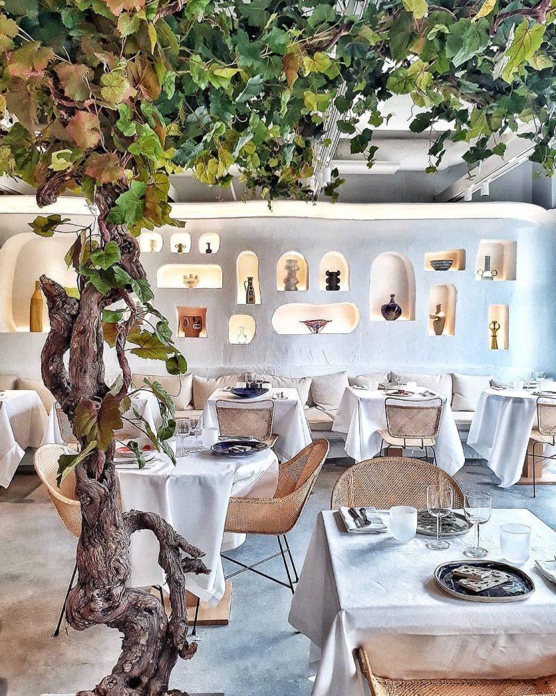 jacquemus Jacquemus & Caviar Kaspia Opened A Mediterranean Restaurant In Paris Jacquemus Caviar Kaspia Opened A Mediterranean Restaurant In Paris3