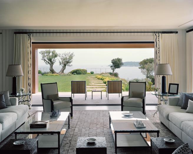 tino zervudachi Tino Zervudachi Designed A Stunning Saint-Tropez Villa! Tino Zervudachi Designed A Stunning Saint Tropez Villa1