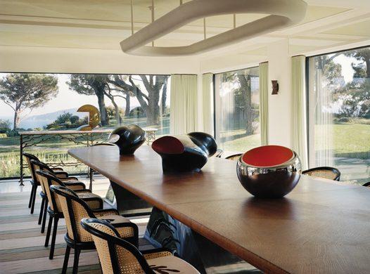 tino zervudachi Tino Zervudachi Designed A Stunning Saint-Tropez Villa! Tino Zervudachi Designed A Stunning Saint Tropez Villa2 526x390