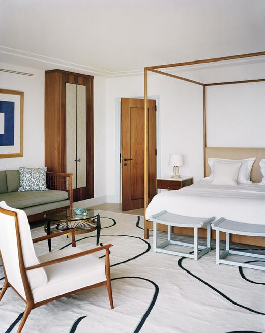 tino zervudachi Tino Zervudachi Designed A Stunning Saint-Tropez Villa! Tino Zervudachi Designed A Stunning Saint Tropez Villa3