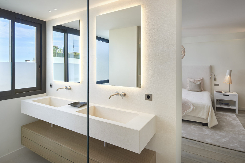 Extraordinary Master Bathroom Projects by SAS COLLECTION PRIVEE